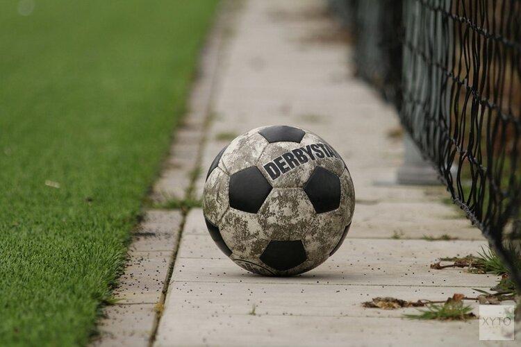 Almere City FC slaat gat met achtervolgers