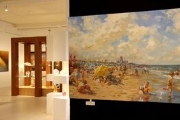 Feest voor jubilerende galerie Alosery in Almere Centrum