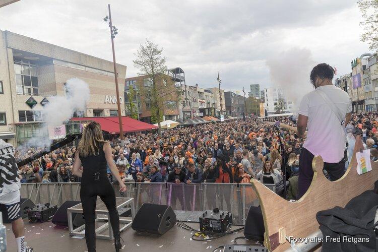 Koningsdag vier je in Almere Centrum
