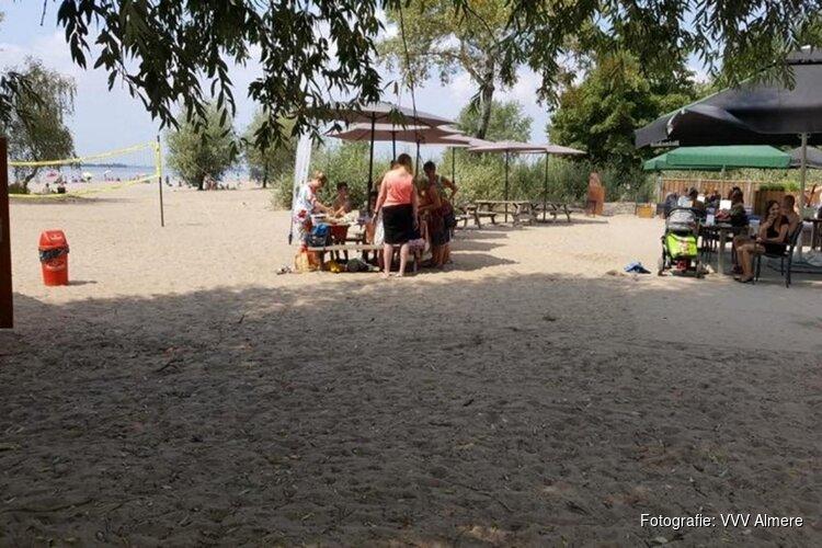 Zomeractiviteiten op het Almeerderstrand