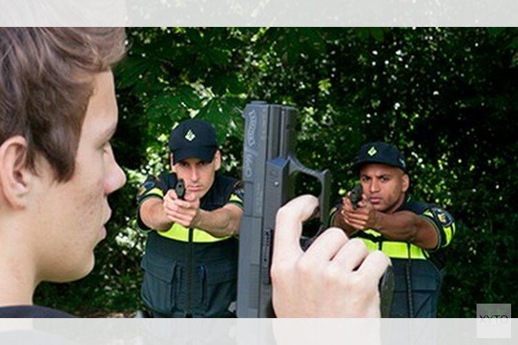 Jongens doen afstand van nepwapens