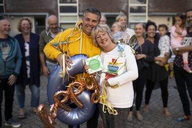 Sue en John Nicola winnen Gouden Buur Award 2019 in provincie Flevoland