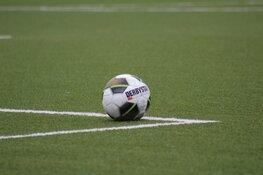 Knotsgek duel Jong Almere City FC in Bollenstreek eindigt 3-3