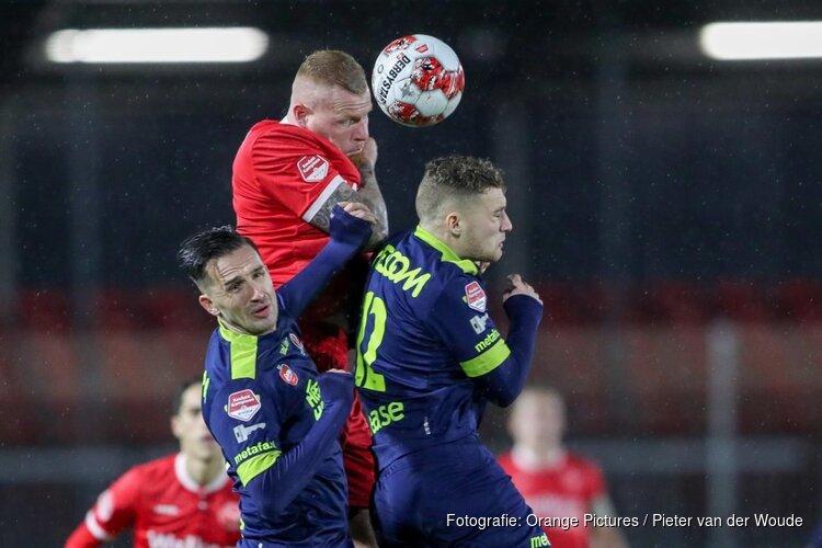 Almere City FC sloopt hekkensluiter