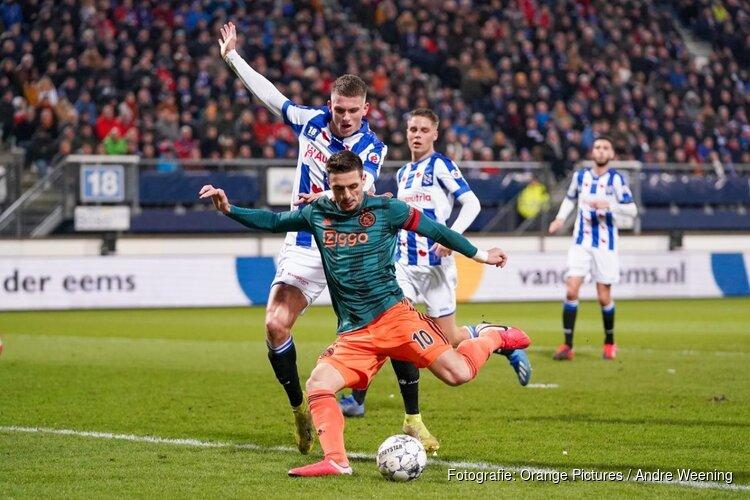 Ajax kweekt weer wat vertrouwen met winst in Heerenveen