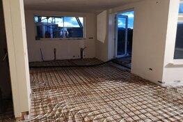 De gietvloer in combinatie met vloerverwarming