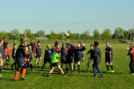 Rugby Club Bulldogs laat jeugd Almere Sporten