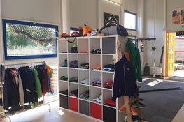 Vanaf 2 juni gaan de deuren van de Rode Draad weer open , de tweedehands sportwinkel!