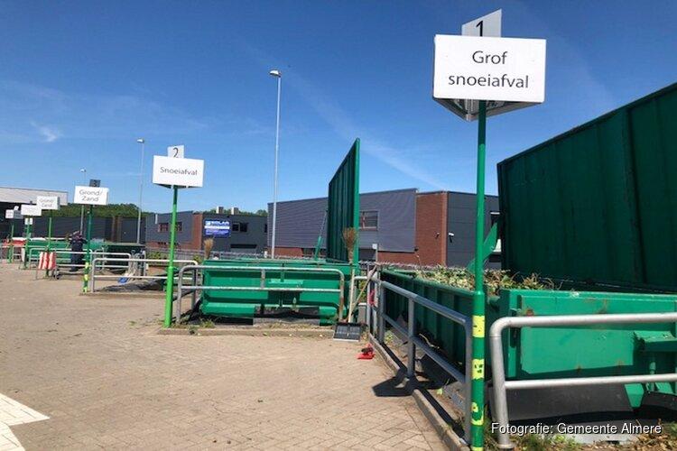 Recyclingperrons in Almere tijdelijk langer open