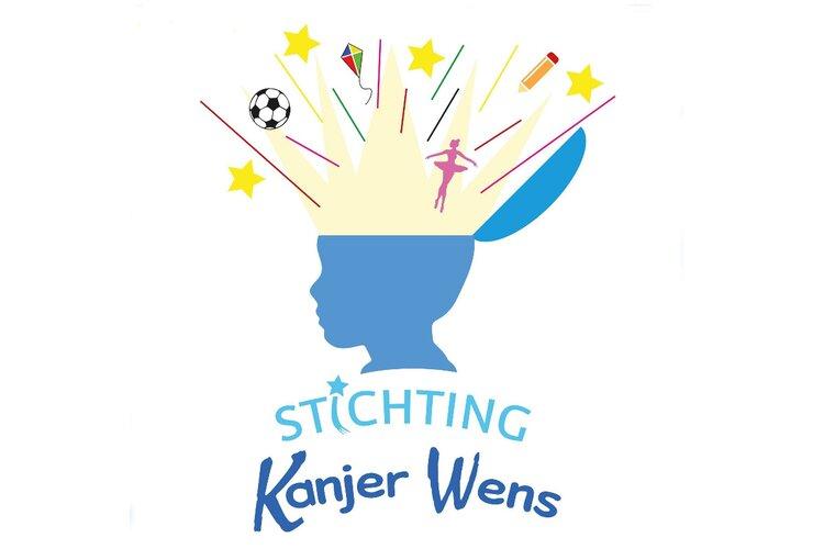 Supporters Almere City FC rennen op 1,5 meter afstand voor Stichting Kanjer Wens