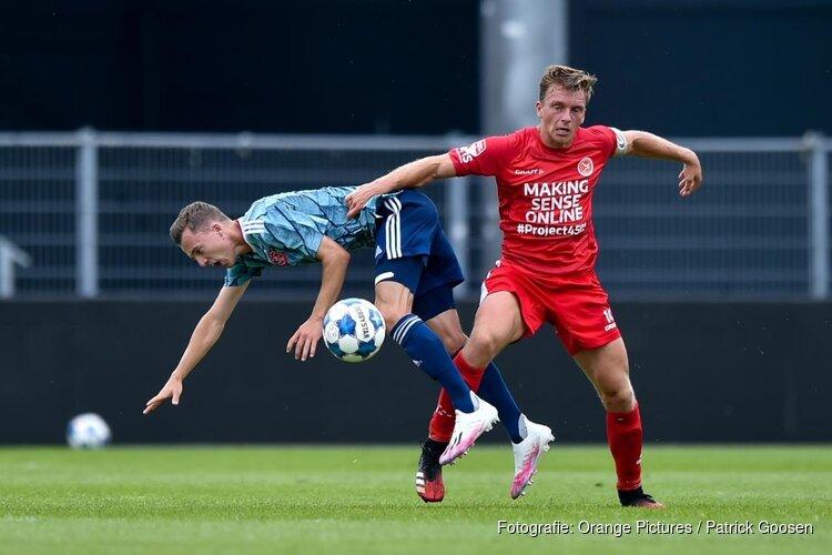 Almere City FC in oefenduel langs Jong Ajax