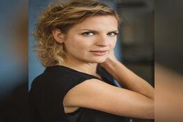 Almere Verhalen-schrijfster Niña Weijers betrekt woning in Almere