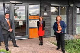 Meer 'Oranje gebouwen' in Almere bij Orange the World
