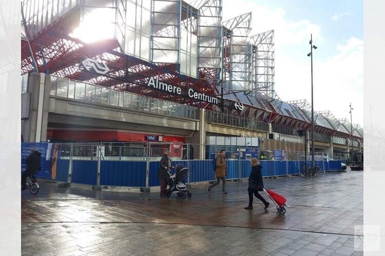 Vervanging glasplaten station Almere Centrum