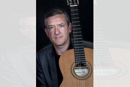 Engelse gitarist Gary Ryan in Gitaarsalon de Oostvaarders
