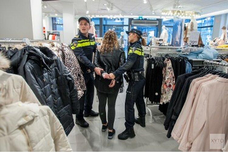 Getuigen van steekincident in centrum Almere Stad gezocht