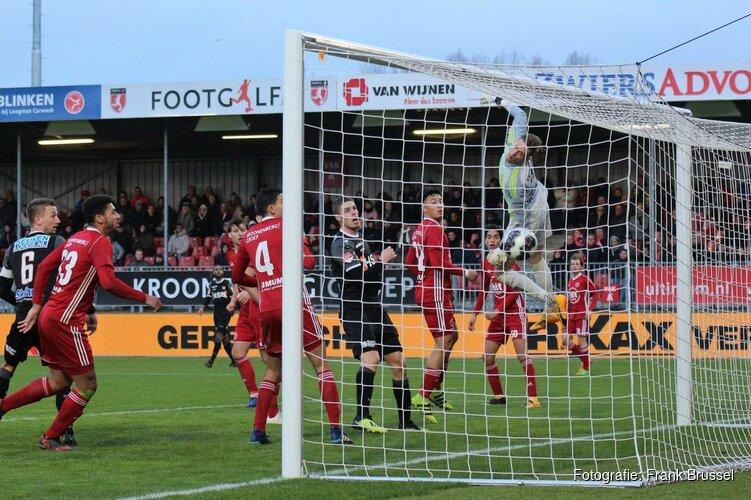 Almere City FC heeft wind niet in de zeilen